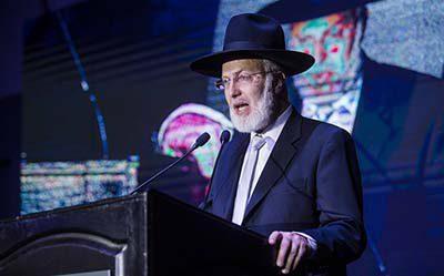 La DAIA repudia brutal agresión antisemita al Gran Rabino de la AMIA
